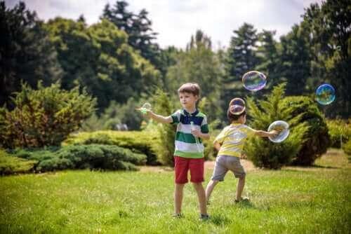 어린이가 자유롭게 움직이는 활동 10가지