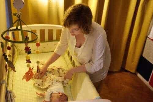 아기의 생후 첫 6개월: 가족이 함께 잘 자는 방법