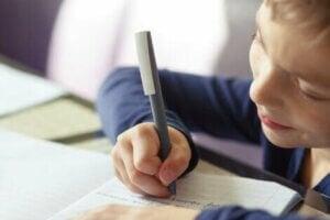 작문 능력 향상에 도움이 되는 4가지 활동