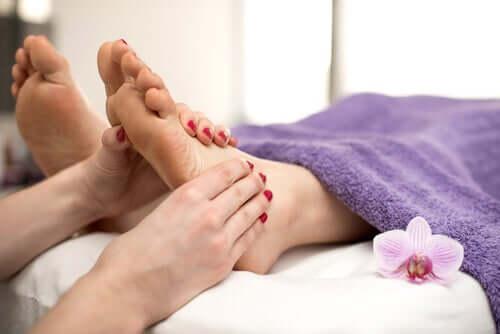 임신 중 부은 발을 예방하는 방법
