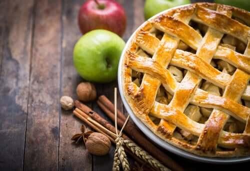 애플 시나몬 케이크