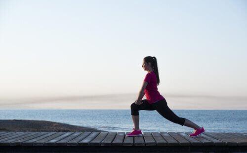 다리를 강화하는 운동 8가지