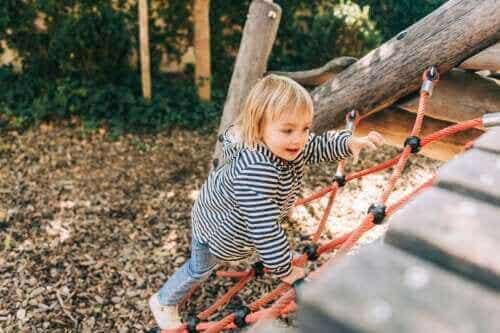 어린이 뇌 발달에 중요한 자유 놀이