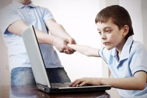청소년에게 소셜 네트워크가 미칠 수 있는 위험