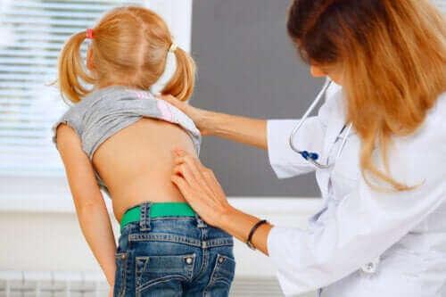 어린이 허리 통증: 해야 할 일과 하지 말아야 할 일
