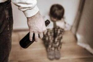 알코올 중독 부모님 밑에서 자란 아이들의 특성