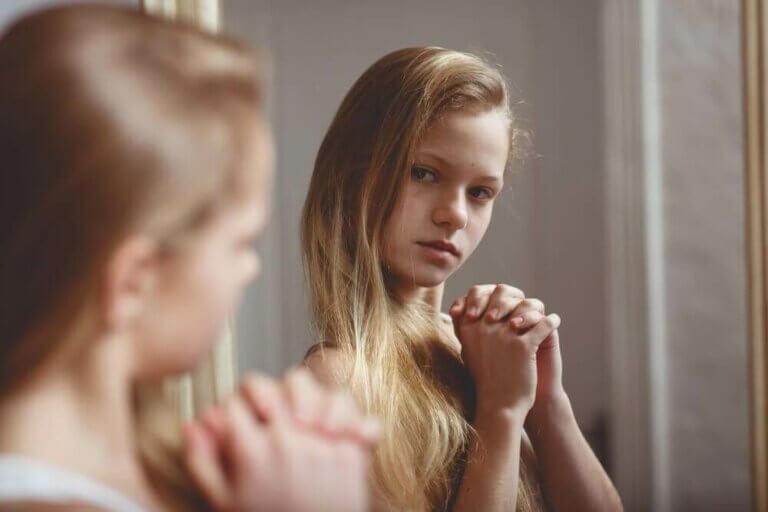 딸이 자신의 몸에 대해 부끄러워한다면?