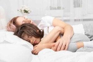 영유아와 성인의 수면 주기는 얼마나 다를까?