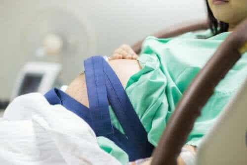 진통이 오면 언제 병원에 가야 할까?